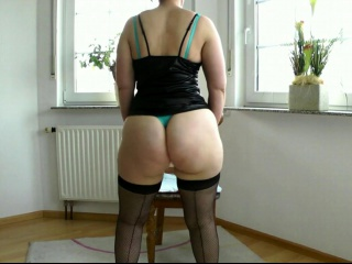 Mature stocking first-timer whore