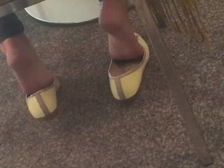 Candid mature Shoeplay