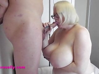 Mature Sally providing great head