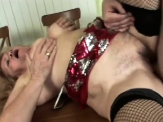 Salacious granny gets the brush energized cunt banged
