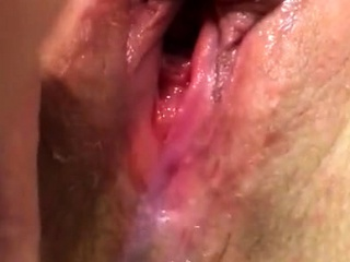 Pussy cum wife's pussy cumming unchanging each time soaking scruffy