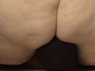 Ssbbw pussy-smothering & squeezing
