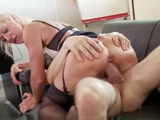 Lean mature Madame sandwiched and cumfilled