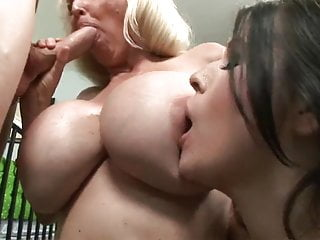 Cougar and GILF with fortunate man