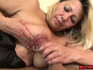 Sizzling mature sucky-sucky and jizz ssizzling