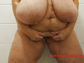 Saggy titties Mature urinating in the douche