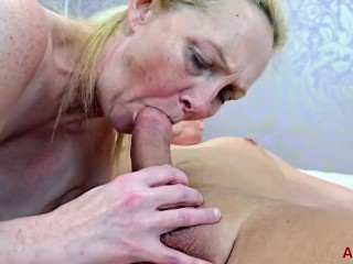 Suzie Stone good-sized globes cougar Having Mature hard-core orgy