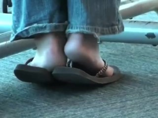 Candid chinese cougar lovely tough feet in spin flops
