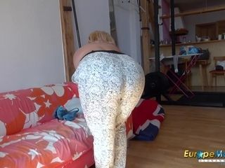 EuropeMaturE big-titted Mature Nina Striptease Showoff