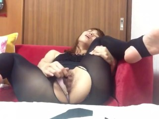 Unshaved chinese damsel wanking until ejaculation