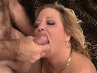 Leader blistering of age unshaded gives an amazing blowjob together with makes