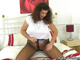 Chesty milf Gilly exotic someone's skin UK is made be advisable for shagging