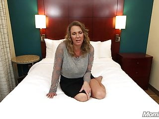 Bottomless gulf Anal shacking up inexpert Milf gets three Facials