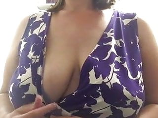 Chunky chest Milf Shownearbyg chest nearby cabnearby