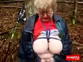Mature bysty hoe stroking outdoor